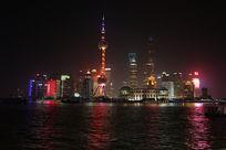 上海东方明珠和黄浦江的夜景灯光