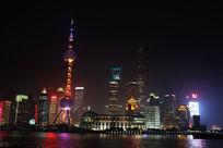 上海东方明珠和浦东的夜景