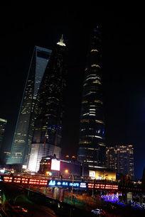 中国的魔天大楼夜景