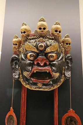 藏族金翅鸟跳神木雕面具