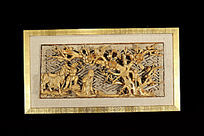 喜上梅梢金漆木雕花板