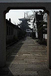 上海松江广富林遗址公园小径通幽