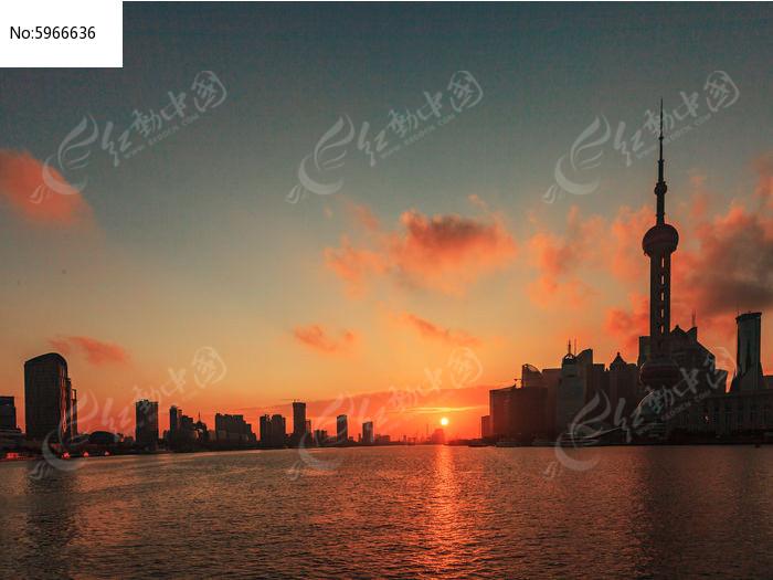 日出黄浦江图片