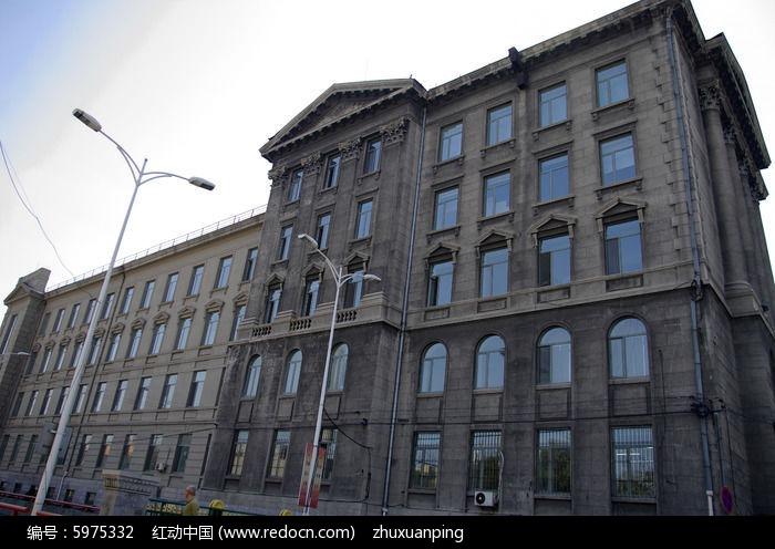 大学校园欧式建筑图片