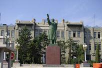 哈尔滨铁路局毛主席雕像