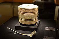 海昏侯墓出土的青铜尊与青铜勺
