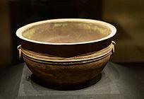 汉代海昏侯墓出土的青铜盆洗