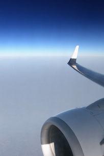 航拍飞机发动机