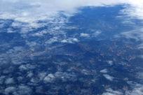 航拍俯瞰山脉