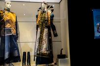 喀尔喀服饰女性