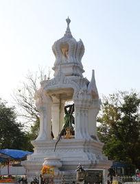 曼谷街头的佛龛