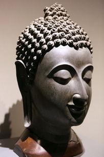 泰国佛头铜雕像