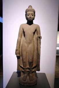泰国古代站姿佛像