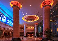 酒店大堂建筑夜色