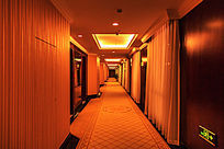 酒店宽敞客房楼道