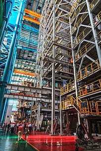 热轧钢板生产线运行中