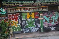 清迈街头的涂鸦画