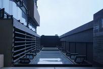 现代高层仰视楼房