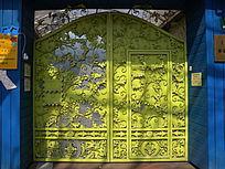 彩色大铁门