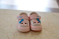 粉色鞋子正面