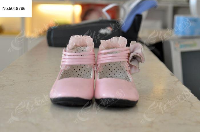可爱的粉色鞋子正面图片