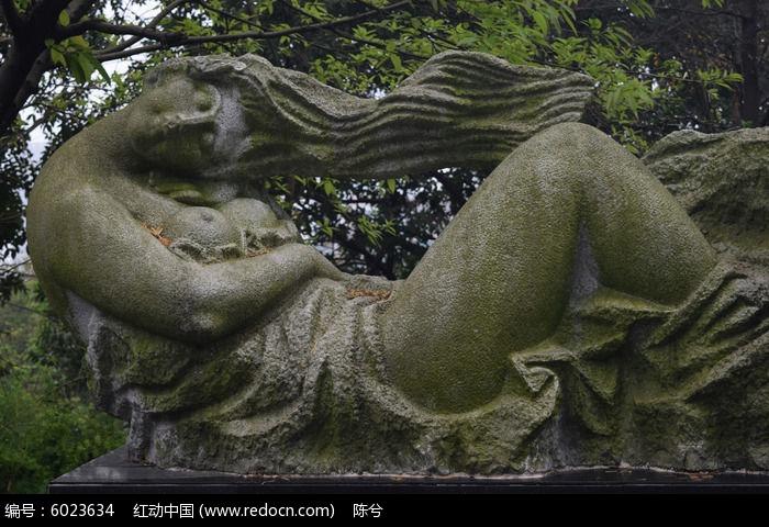 长发飘逸女子雕塑图片,高清大图_雕刻艺术素材