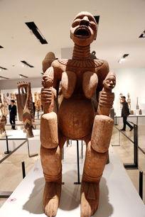 非洲木刻妇女人像