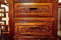 抽屉木雕刻