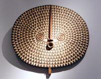 非洲雕刻圆盘鸟图案壁挂