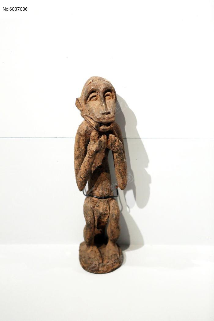 非洲木雕老人雕像