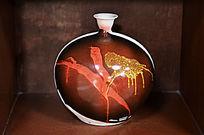 蝴蝶纹胶釉细口瓶