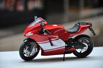 红色摩托车模型玩具