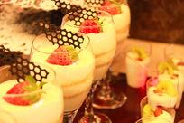 甜饮美食草莓奶昔