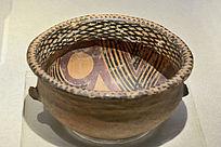 半山类型涡纹网纹彩陶盆