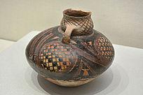 半山类型圆圈网格纹彩陶鸟形壶