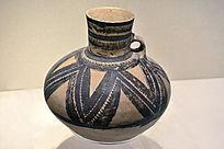 半山类型折带纹彩陶壶