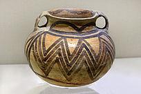 马厂类型复道折线纹彩陶罐