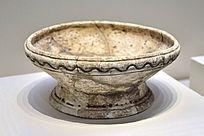 汤家岗文化水波纹陶盘
