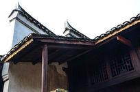 高椅木房子和马头墙