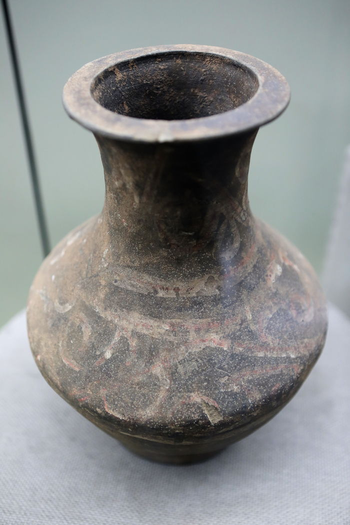 古代陶瓶图片
