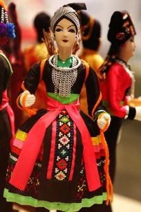 老挝传统女服饰人偶