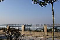 东江上的大桥