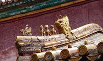 故宫的琉璃瓦和房檐塑像