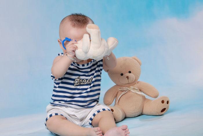 玩耍的小孩图片,高清大图_儿童摄影素材