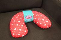 红色心形图案U型枕