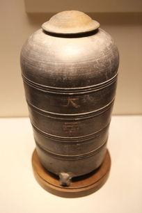 西汉时期大麦万石陶仓