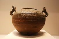 西汉时期双兽耳青釉硬陶瓶