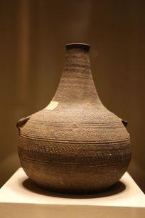西汉时期细颈陶壶