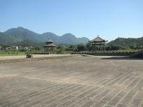 龙虎山古长城广场