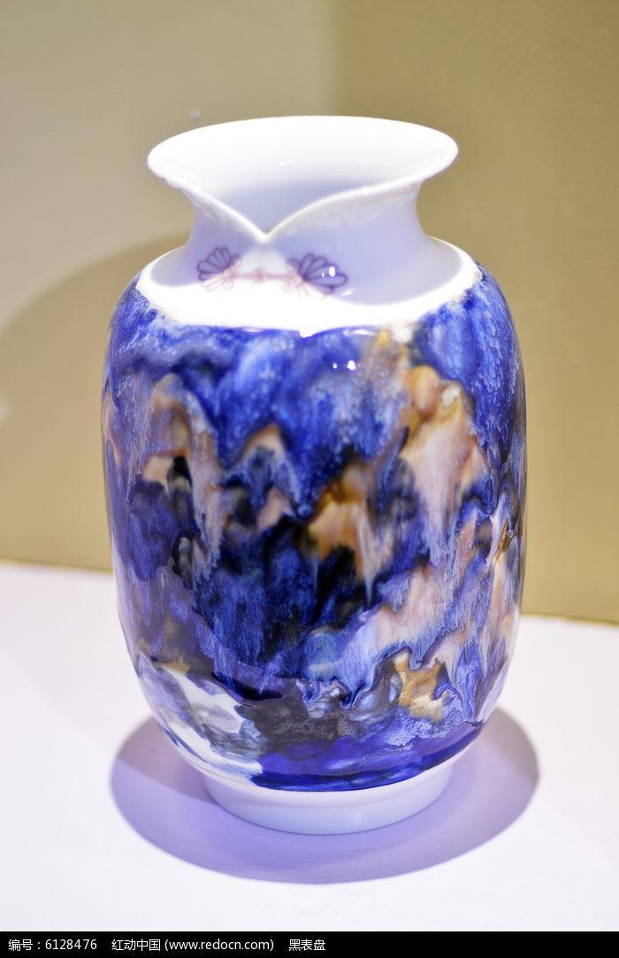 中国古典扣结胶釉水瓶图片
